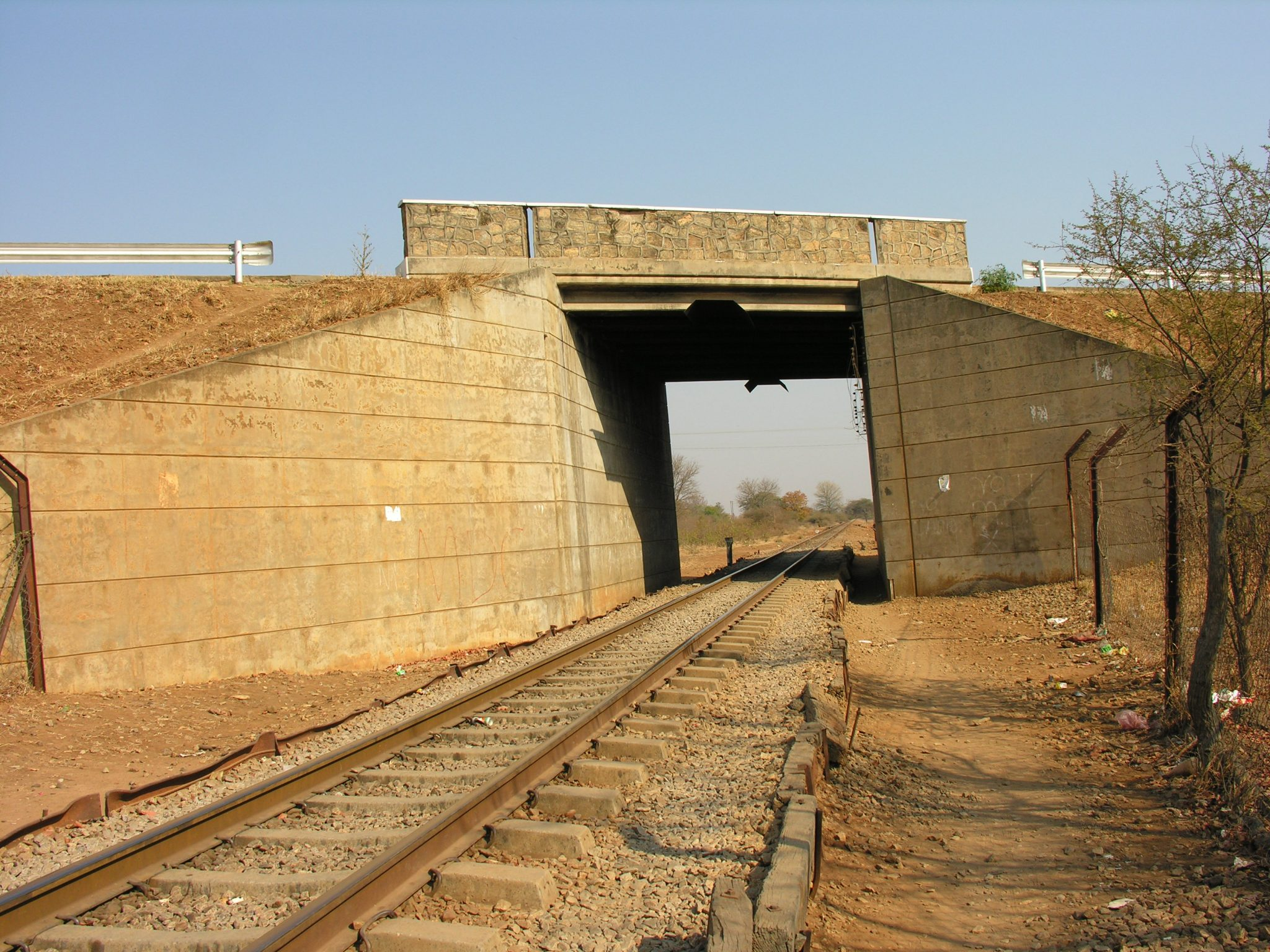 Rutenga Road-over-Rail Bridge 3